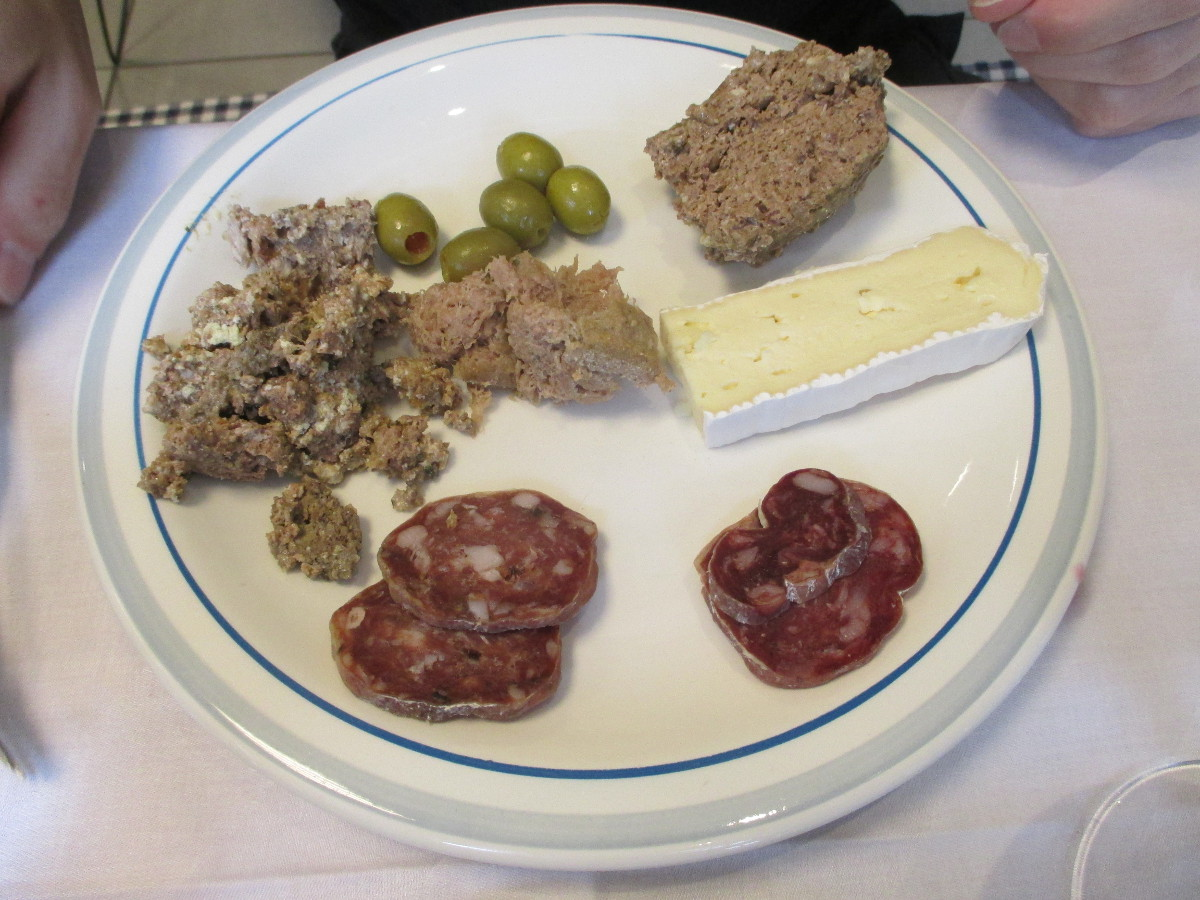 The salami and the green olives also tasted very good.